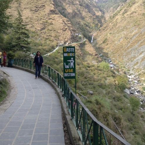 On the way to the Bhagsu falls